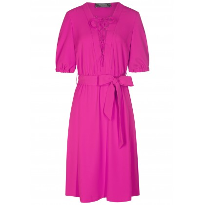 Stilvolles Kleid ADA mit modischen Details /