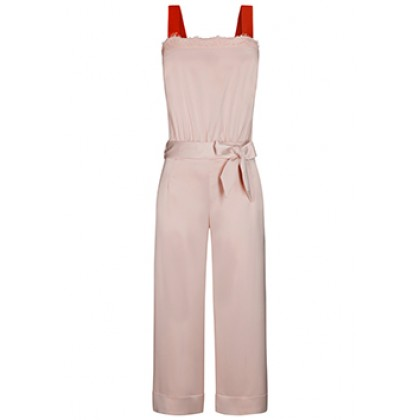 Stylish overall GISA with elegant details /