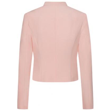 Elegant LORA blazer in a slightly cropped fit /