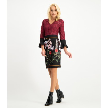 Feminin dress NELLERA in trendy pattern-mix /