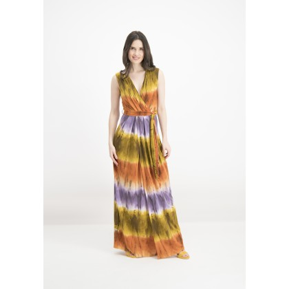 Fashionable NORELA maxi dress with batik design /