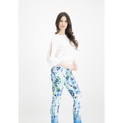 Schmale Hose INIDE mit modischem Batik-Design /