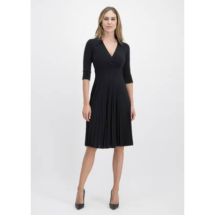 Charming VANESSA dress with fine pleats /